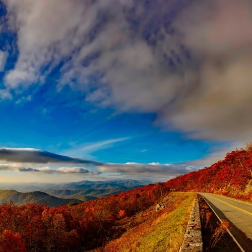 Highway overlooking the Blue Ridge Mountains in Northern Virginia